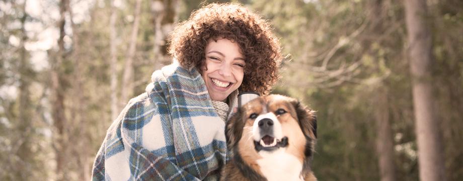 video samleie med hund og kvinne